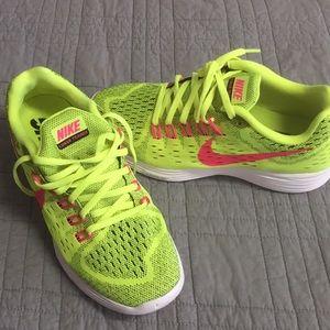NWOT Lime green Nike Running (sz 8.5)